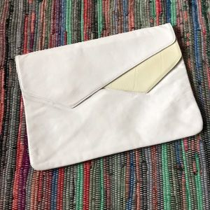 VTG white leather clutch made in Italy